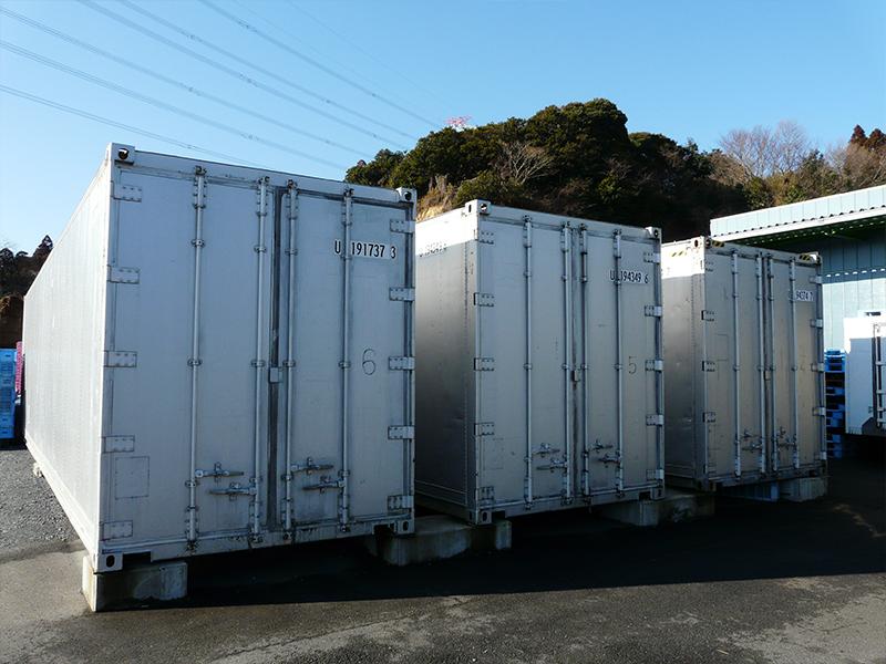 コンテナ冷蔵庫6基 約80トン保管可能